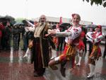 Покровскую ярмарку в Запорожье открывали танцами и казаком Григорьевым