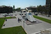 Памятник самолету на Бульваре Шевченко (Запорожье)