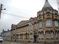 Здание бывшего роддома №1 по ул. Артема в Запорожье