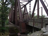 Железнодорожный мост за Дубовой рощей (в районе причала)