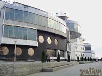 Развлекательный комплекс Платинум в порту Ленина (Запорожье)